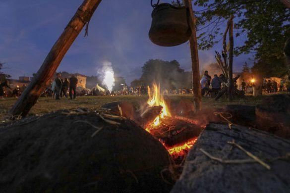 Detalle de una hoguera de un campamento Cantabro