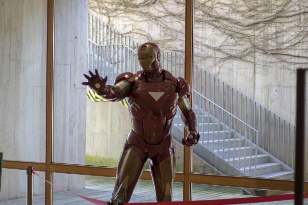 Figura de Ironman a escala real