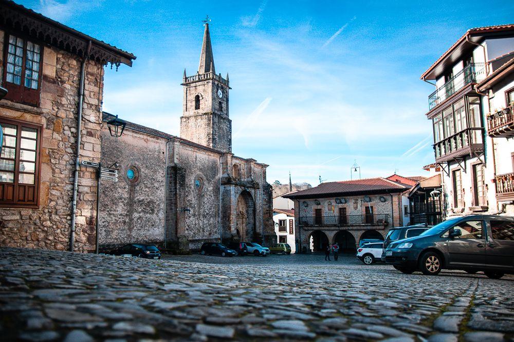 Plaza de la Constitución, iglesia de San Cristóbal y Antiguo ayuntamiento