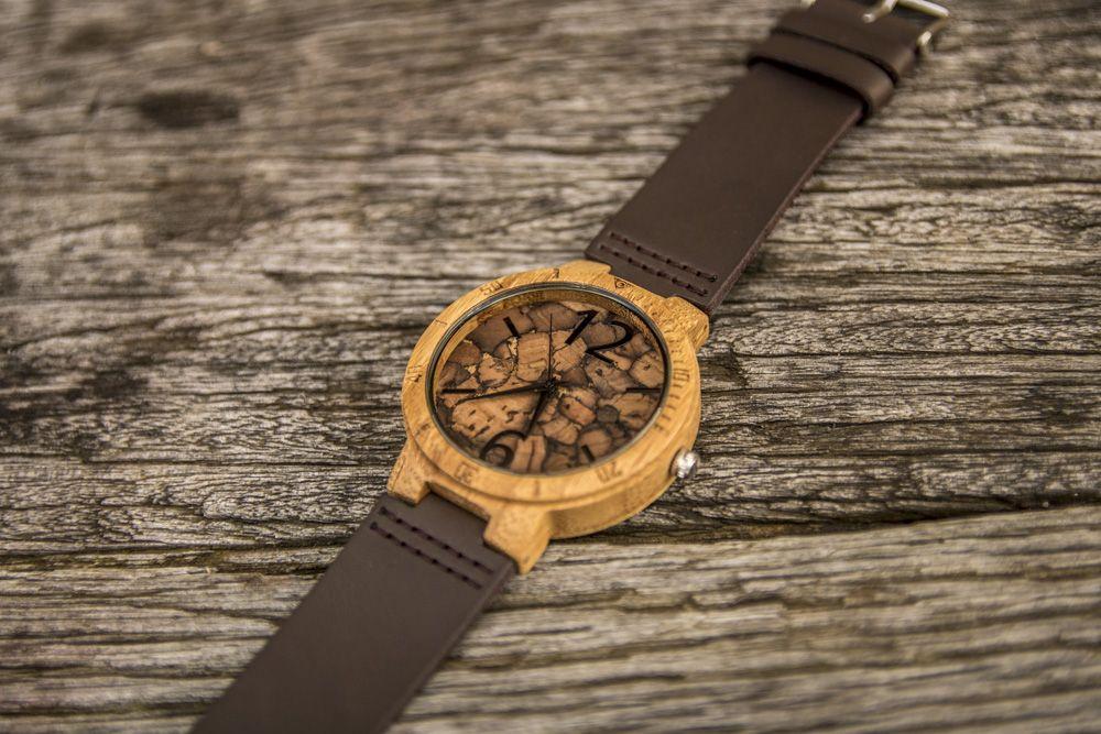 Detalle Reloj Tok-pok madera