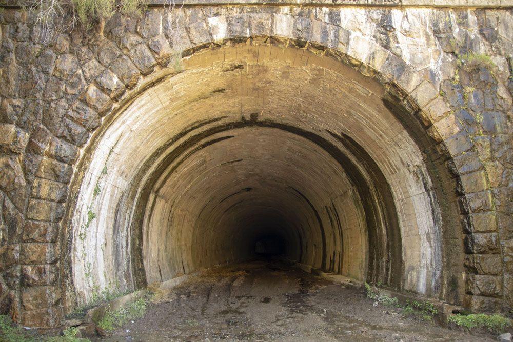 Interior de uno de los túneles