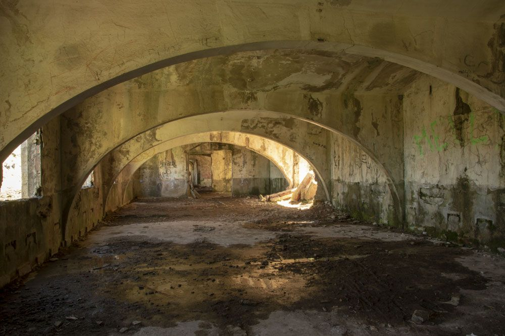 Interior edificio aledaño al tunel