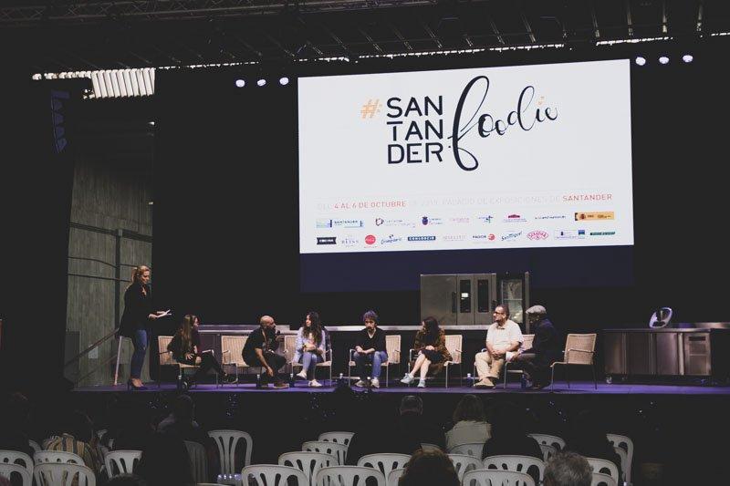 Mesa redonda by Diego Guerrero, Solange Muris, Debocaccion, Silvia cocinitas, Mery, Jesús Sahcnez, David de Jorge